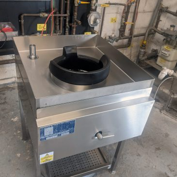 Integrated recess fit wok burner